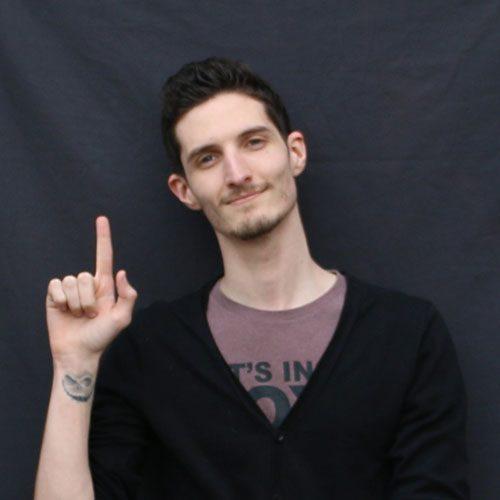 Ewan, stagiaire de la formation numérique du Rocher de Palmer